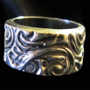 Large Flat Band Ring